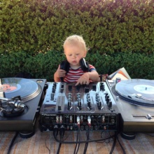 DJ Grinning Cat